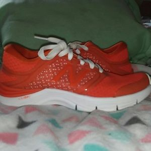 Girls New Balance 711 BRAND NEW.